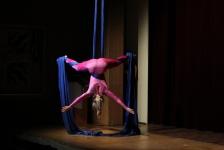 Akrobatinnen